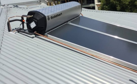 solahart-solar-hot-water-heater-service-installation-02-1024x768