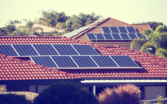 First battery installed in ACT's 100 per cent solar suburb