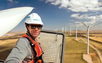 Snowtown wind farm operator fears federal RET cut